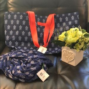 NWT's Vera Bradley Turtles Family Tote and Scarf